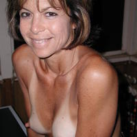 Hot mom w/perfect nipples 5