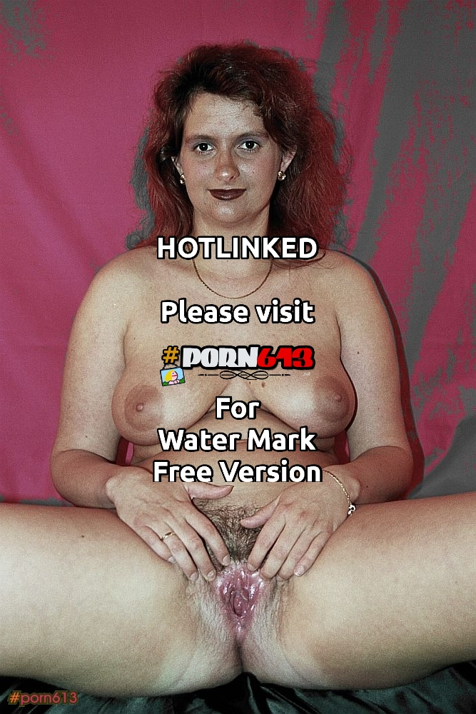 German slut spread wide open