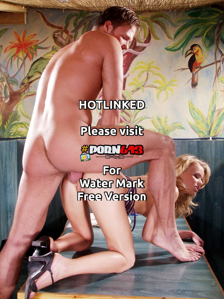 mnogo-blondinok-i-odin-paren-porno-video