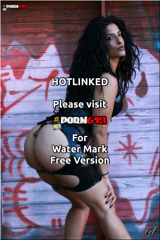 latin domme (looking for her white man slave)